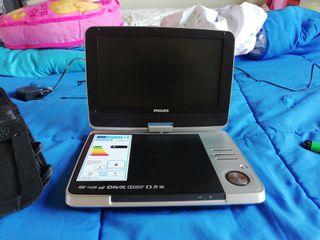 televisión y DVD portatil