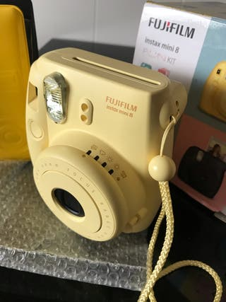 Cámara Fujifilm Instax Mini 8