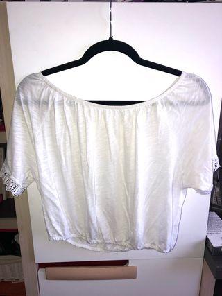Blusa banca cortita hombros descubiertos
