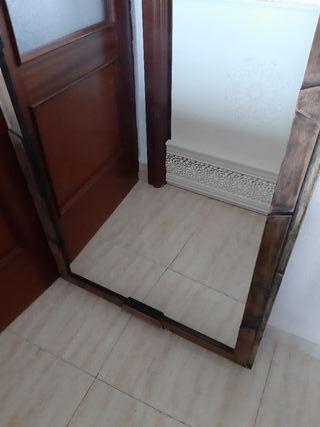 Espejo de madera .