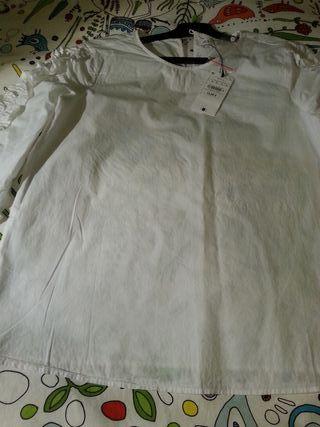 Blusa Blanca de Sfera talla M sin estrenar.
