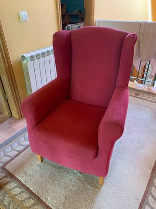 2 sillones orejeros tapizado rojo