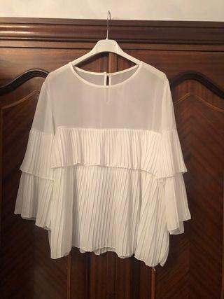 Blusa blanca pliegues