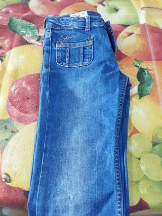 pantalón vaquero niña talla 10. Marca Pepe Jeans