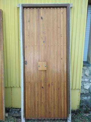 Puerta hogar exterior