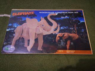 Maqueta elefante madera