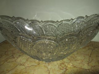 Centro de mesa cristal tallado.