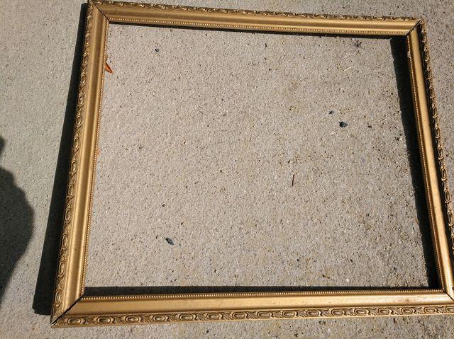 Marco antiguo dorado para espejo o cuadro