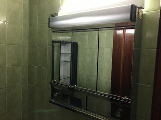 Armario de baño cromado con espejos