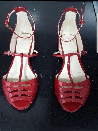 Sandalias Zara color rojo