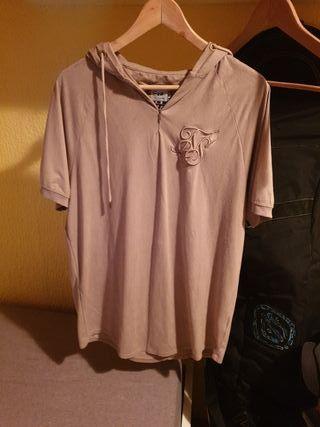 Camiseta Siksilk con capucha