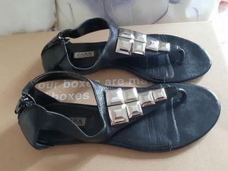 Sandalias negras piel Zara