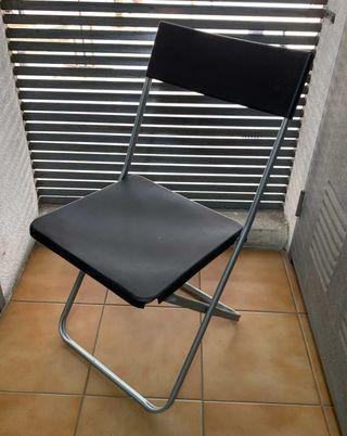 2 sillas plegables IKEA modelo Jeff.