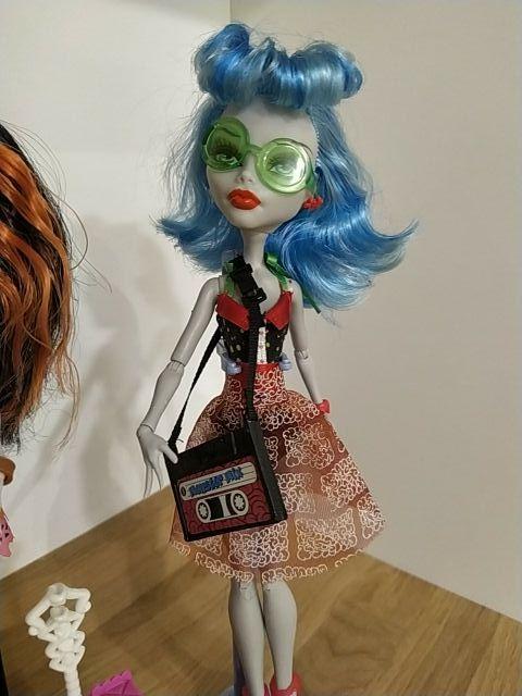 Monster High Skelita Calaveras y Ghoulia Yelps