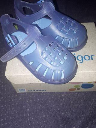 Cangrejeras azules marca Igor, talla 22 nuevas