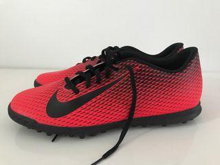 Botas fútbol turf Nike talla 45 nuevas a estrenar
