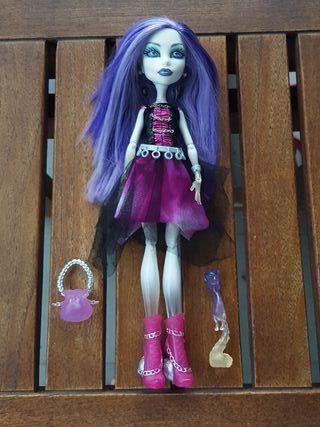 La muñeca Spectra vondergeist monster high mattel