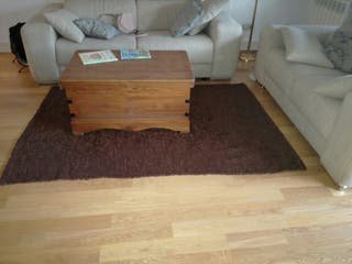 alfombra marrón