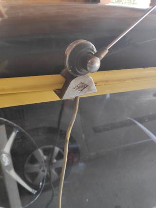 antena de radio coche clásico