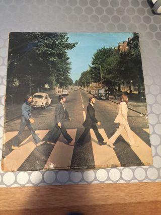 2 discos vinilo de los Beatles.