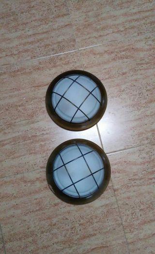 Dos lámparas de techo