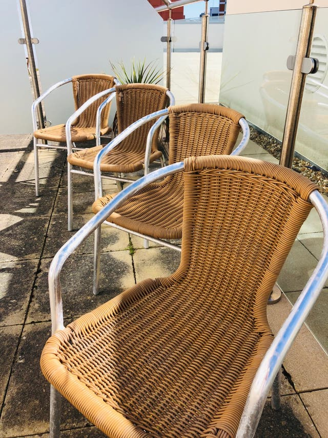 4 outdoor chairs