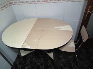 Mesa antigua cocina de segunda mano en Barcelona en WALLAPOP