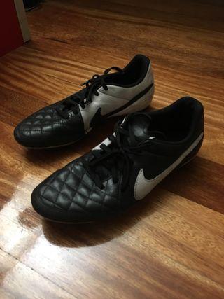 Botas de fútbol 11 talla 43