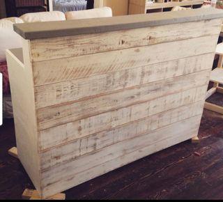 Mostradores a medida, fabricados en madera de pale