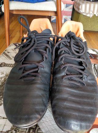 botas de fútbol tiempo talla 45
