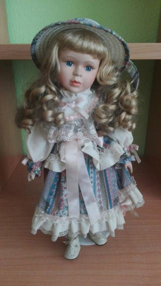 Muñeca colección porcelana