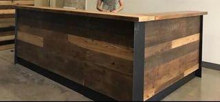 Mostradores estilo industrial madera y acero