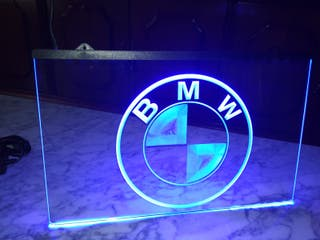 Cartel luminoso BMW