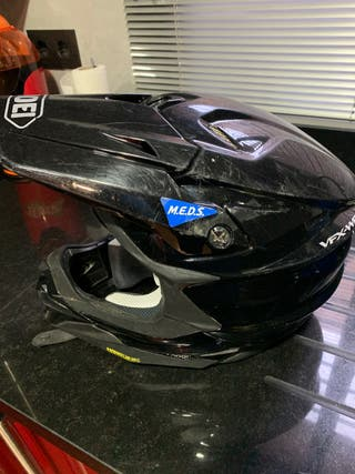 Casco motocross shoei