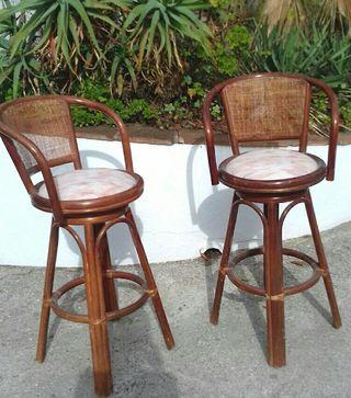 2 bar chairs. 2 sillas bar.