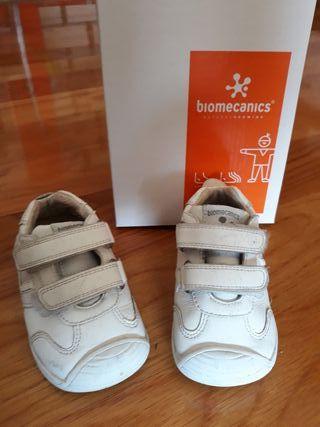 Tenis Biomecanics T20
