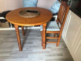 Mesa madera extensible + 4 sillas
