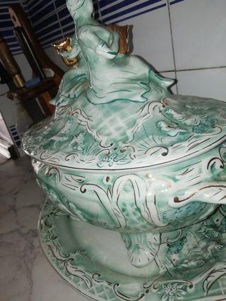 sopera. De porcelana