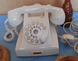 Teléfono años 50-60. Con auricular supletorio.