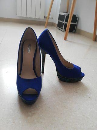 zapatos de tacón azules