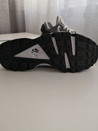 ¡ SIN ESTRENAR! Nike Huarache talla 41