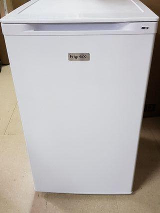 Congelador vertical de tres cajones