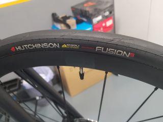 Cubierta Hutchinson Fusion 5 Performance 700x25