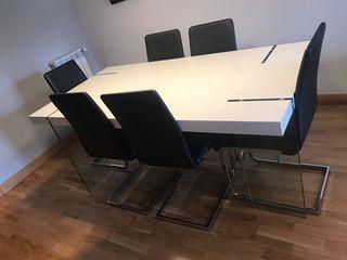 Mesa comedor con sillas y regalo mesa pequeña