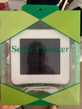 Cargador de móvil solar