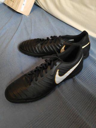 botas de futbol nike negras multi-taco