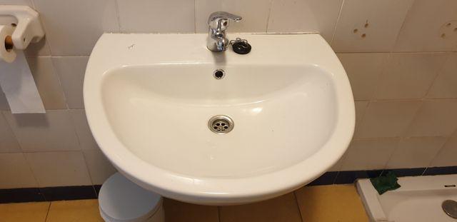 lavabo suspendido pared