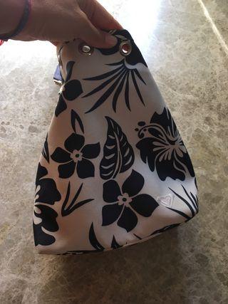 Roxy bolso amplio de tela dura moldeable