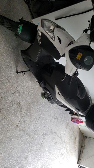 agility 125cc, año 2014, precio 1100, 663462541 ce