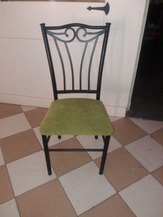 vendo 12 sillas de hierro